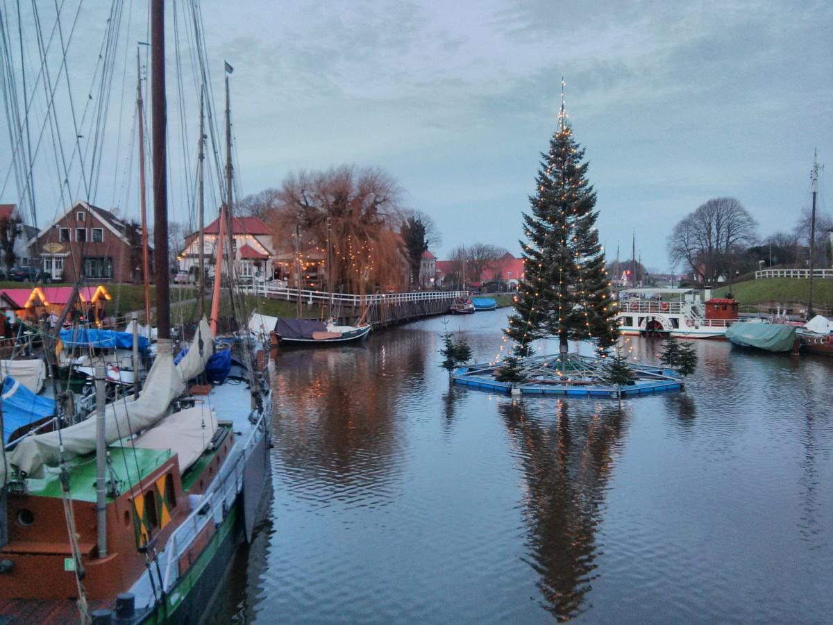 Weihnachtsmarkt im Museumshafen